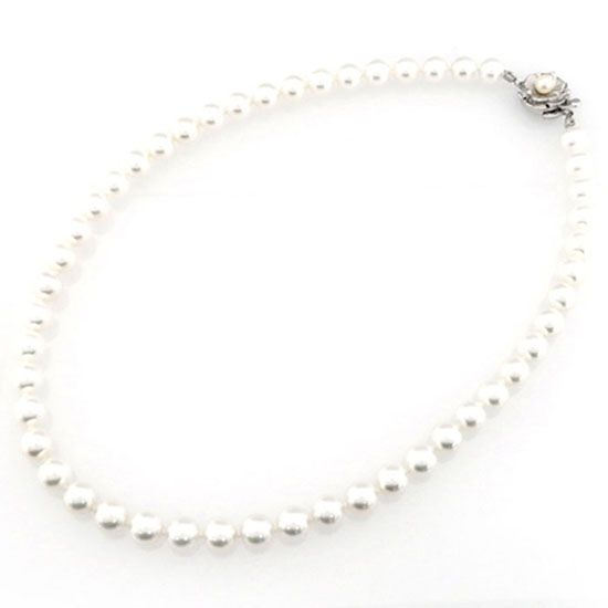 pearl necklace j219591